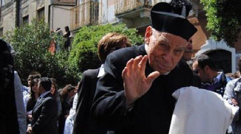 Proposta appoggiata pure dall'Arcivescovo, Biancavilla dedica una via a padre Placido Brancato