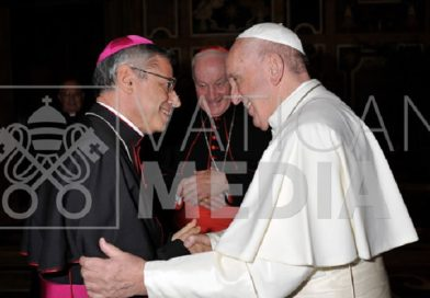 L'abbraccio di Mons. Schillaci a Papa Francesco: ecco le foto dell'incontro in Vaticano