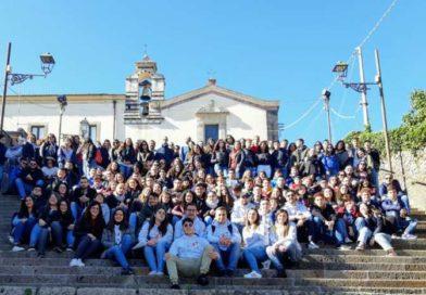 Festa di Azione Cattolica a Trecastagni, Don Lipera: «La giovinezza è un dono, coltivate i vostri sogni»