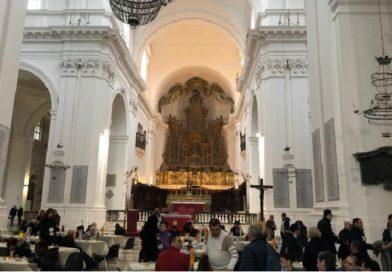 """Quando la Chiesa si fa mensa per i poveri: tutto pronto per il """"Pranzo di Sant'Elisabetta"""""""