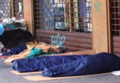 Ordinanza anti-bivacco, Comunità di Sant'Egidio: «Nel povero c'è il volto di Gesù, inginocchiamoci»