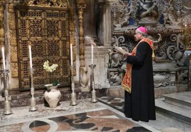 L'Arcivescovo in preghiera nella cappella di Sant'Agata per la fine della pandemia