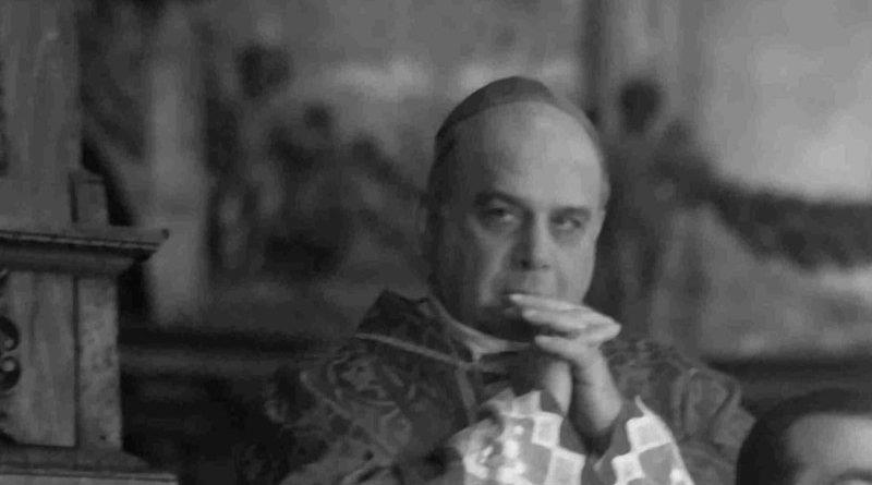 Coronavirus, l'Arcivescovo di Catania raccolto in preghiera nella cappella di Sant'Agata