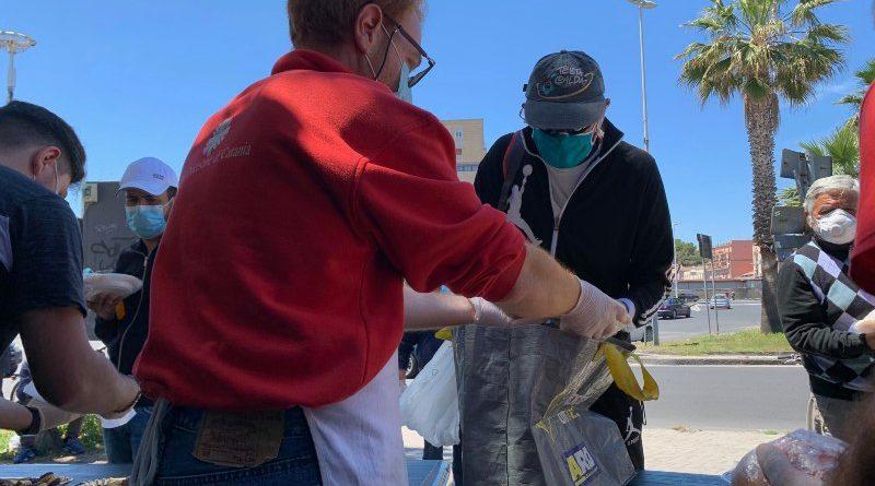I panifici donano l'invenduto alla Caritas che distribuisce  panini e piatti caldi all'Help Center