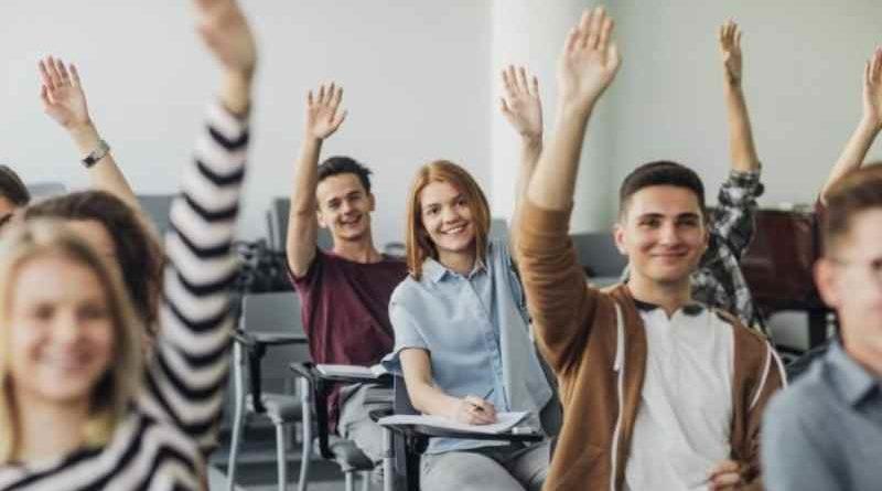 Scuola a settembre: presenza  in aula importante per imparare a vivere attraverso le relazioni