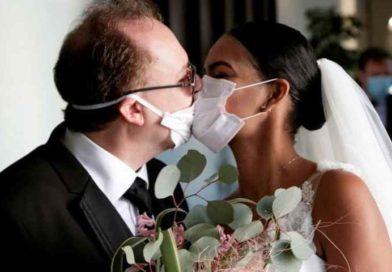 Sposi possono evitare di indossare le mascherine, guanti non obbligatori per la distribuzione dell'ostia