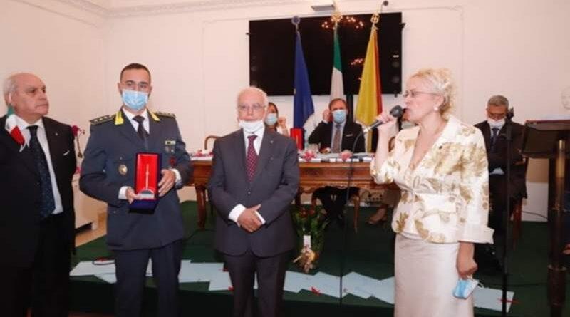 Giuseppe Adernò Premiato con il Pennino d'Oro, ha promosso valori culturali e cristiani in molti ambiti