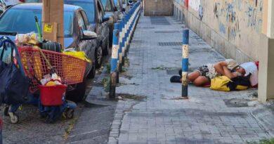"""""""Per tetto… il cielo – Storie di chi dorme per strada"""", disponibile il Calendario Caritas 2021"""