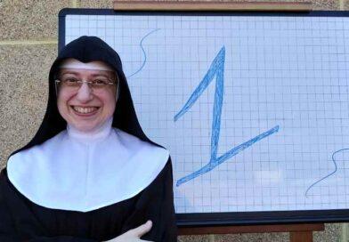 """Messaggio dalla """"clausura"""" di Biancavilla: «Dio: rimandato in matematica!»"""