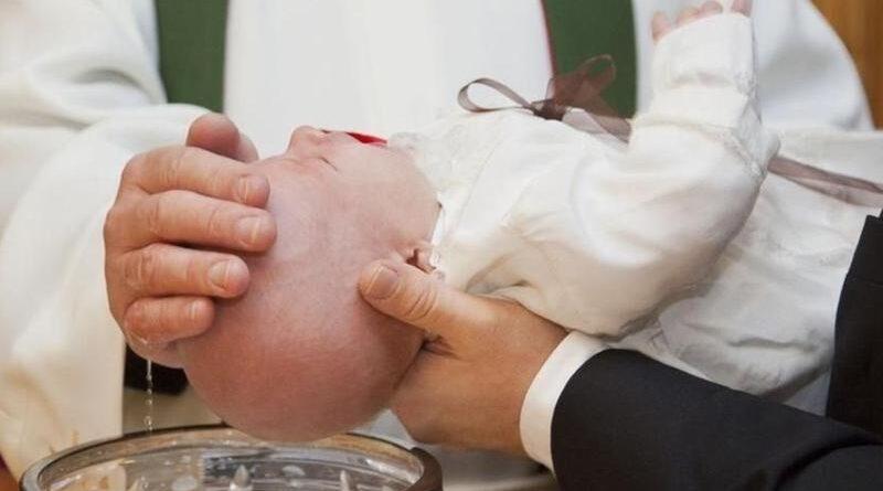 Diocesi, sospesa la presenza di padrini e madrine nel Battesimo e nella Cresima