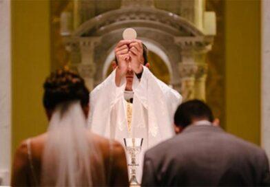 Eucarestia e matrimonio: «Approfondire questo legame è una necessità propria del nostro tempo»