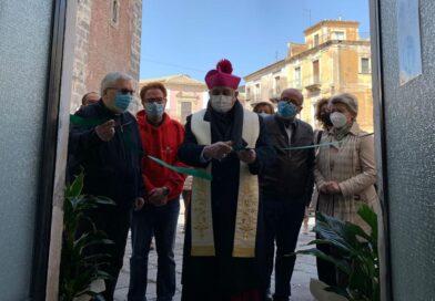 Adrano, l'Arcivescovo inaugura un Centro d'ascolto: «Un'opera di carità che unisce tutti»