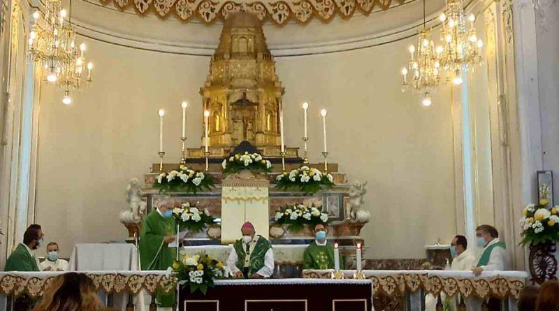 """Adrano, l'Arcivescovo Gristina riapre la chiesa di """"San Pietro"""" dopo il terremoto del 2018"""