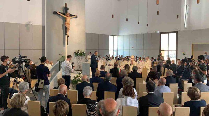 """""""Santissimo Salvatore"""" di Biancavilla: momento di festa per la dedicazione della nuova chiesa"""