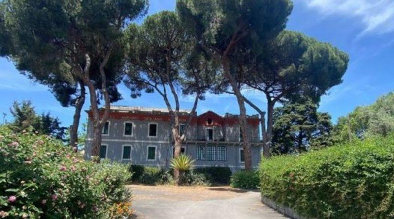 """Istituto """"John Dewey"""", a Catania nella verde collina di Cibali apre una scuola tra gli alberi"""